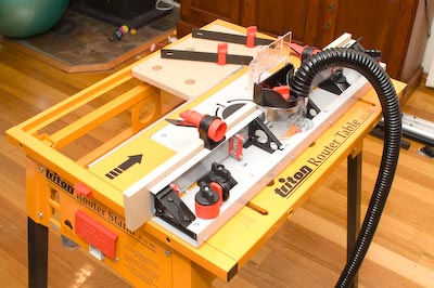 A router table tale stus shed and it was on this table that i learned a huge amount about routing and about woodworking it is a very versatile form of a router table and despite all greentooth Images