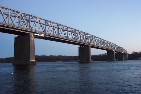 1024px-The_Little_Belt_Bridge_(1935)